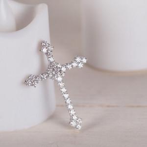 Как выбрать крестик с бриллиантами